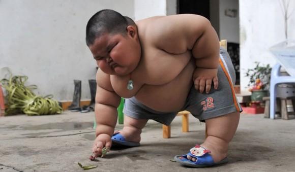 Bimbo Cinese più grasso