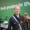 Il cartellone pubblicitario della Carlsberg che eroga birra gratuita